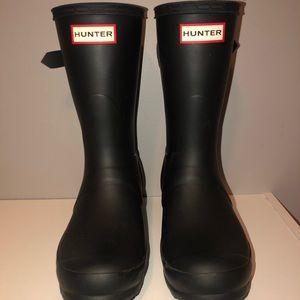 Hunter boots   size 6   matte black